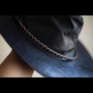 vintage kakadu black, Australian leather hat